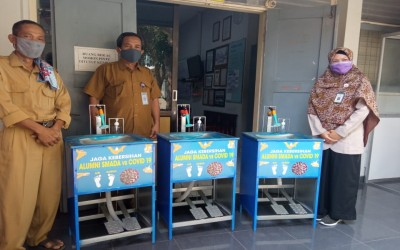 Peduli Pandemi Covid-19, Alumni SMAN 2 Yogyakarta Beri Bantuan Wastafel Pedal
