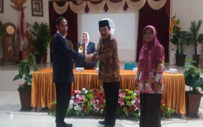 OSIS dan MPK SMA N 2 Yogyakarta Studi Banding ke SMA N 1 Kudus